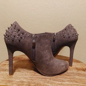 Jessica Simpson Distressed Spiked Low Ankle Zip